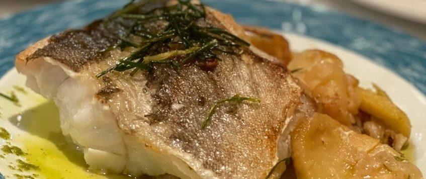 Bacalao con patatas panaderas al horno